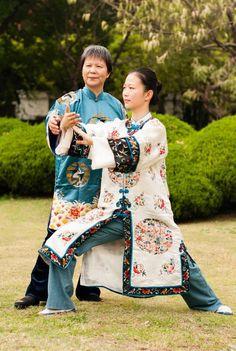 Tai chi practice in China - 叶泳湘:一个80后美女太极传人的风尚