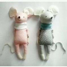 INKA EDVIN two little mice made to order handmade eco toyInka and Edvin are two good friends. They are always together, understand each other without words. Inka likes to talk and can be very fast! Edvin oposite, he's quiet and calm. Tilda Toy, Fabric Animals, Fabric Toys, Paper Toys, Cute Toys, Sewing Toys, Designer Toys, Soft Dolls, Diy Toys