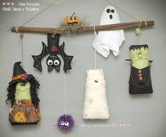 Penduricalho-porta Halloween: abóbora, bruxinha, morcego, aranha, múmia, fantasma, frankenstein.