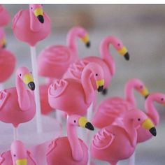 Flamingo cake pops by #creativecakepop