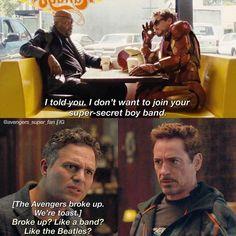 Shimmering Marvel memes for the Marvel addicts! 42 Marvel Movie Sh*tposts For The Superfans - Funny memes that Avengers Humor, Marvel Jokes, Funny Marvel Memes, Marvel Dc Comics, Avengers Poster, Avengers Cast, Memes Humor, Dc Memes, Funny Memes