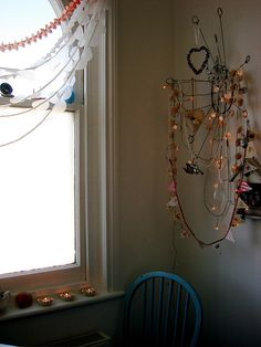 lots of simple little lights and bunting create atmosphere.