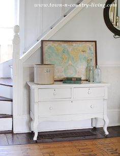 A collection of flea market finds ~ a budget friendly way to decorate the house