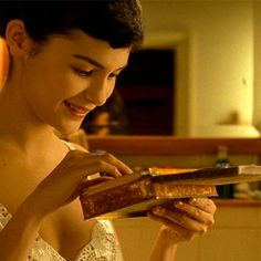 Amelie, a grown up misfit, finds a secret treasure and immediately decides to find its owner. Amelie 2000