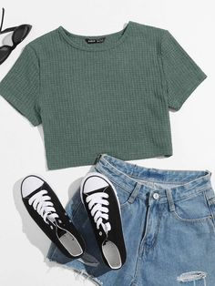 Casual School Outfits, Korean Outfits, Girly Outfits, Cute Casual Outfits, Teen Girl Outfits, Teen Fashion Outfits, Teen Girl Style, Outfits For Teens, Aesthetic Shirts