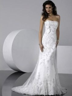 Sheath/Column Strapless Embroidery Sleeveless Sweep/Brush Train Lace Wedding Dresses For Brides