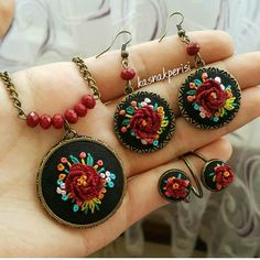 Polymer Clay Embroidery, Bead Embroidery Jewelry, Textile Jewelry, Fabric Jewelry, Clay Jewelry, Jewelry Crafts, Handmade Jewelry, Jewellery, Hand Embroidery Tutorial