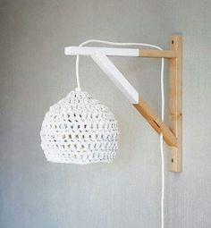 dipped wood wall lamp with crocheted lampshade / See more lighting inspirati. Lamp Design, Diy Design, Chair Design, Design Ideas, Lampe Crochet, Crochet Lampshade, Diy Tumblr, Bedroom Lighting, Lampshades