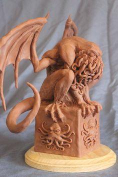 Cthulhu Mythos Sculpture - Crouching Cthulhu by Shaun Gentry - work in progress Necronomicon Lovecraft, Lovecraft Cthulhu, Hp Lovecraft, Cthulhu Art, Call Of Cthulhu, Cthulhu Tattoo, Kraken, Yog Sothoth, Lovecraftian Horror