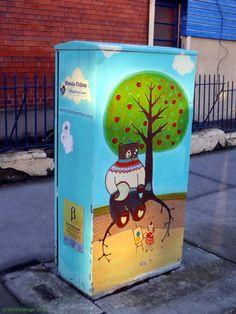 A Dozen Astonishing Street Art-Works Found in Dublin: Idyllic Setting for a Teddy Bear