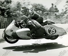 Not the first vintage sidecar racing picture posted here by your humble Marquis: often these images have an outstanding energy and balance. Motorcycle Design, Motorcycle Style, Sidecar Motorcycle, Moped Scooter, Vespa Scooters, Moto Guzzi, Racing Motorcycles, Vintage Motorcycles, Valentino Rossi