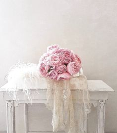 Lace & peonies -brocante-charmante