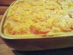 Caws a Thatws eli juustoinen perunapaistos Lasagna, Macaroni And Cheese, Ethnic Recipes, Food, Lasagne, Mac And Cheese, Meal, Eten, Meals