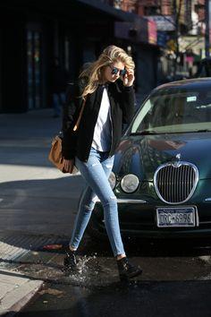 Gigi Hadid, model street style, casual spring style