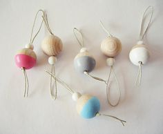 Dip-Dye Holzkugel Baumschmuck // bowl christmas tree decoration via DaWanda.com