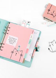 Stay organised and plan in style with this beautiful fabric Personal Planner. With super cute cat characters printed on the cover and the divider tabs, you'll l