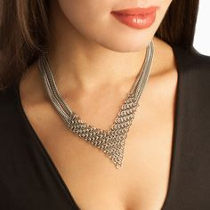 """SLINKY Maille """"V"""" on Chains Necklace"""