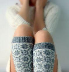 {cozy wool leg warmers}
