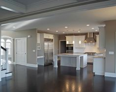 Trendy kitchen colors with white cabinets grey walls ideas Grey Kitchens, Home Kitchens, Murs Taupe, Home Interior, Interior Design, Interior Colors, Custom Floor Plans, Bedroom Minimalist, Taupe Walls