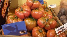 Nuestro tomate Raf, es ideal para ensaladas tradicionales o para carpaccios de tomate y parmesano.
