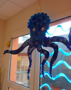 Capture d 39 cran 17 47 25 Captur Plastic Bottle Caps, Bottle Cap Art, Plastic Art, Recycled Art Projects, Recycled Crafts, Recycled Materials, Diy Projects, Under The Sea Theme, Sea Crafts