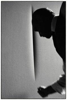 Lucio Fontana fotografato da Ugo Mulas   Artribune