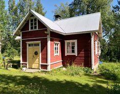 4 x unelmien mummonmökki - Etuovi.com Ideat & vinkit Shed, Outdoor Structures, Architecture, Garden, Summer, Koti, Scandinavian, Houses, Diy