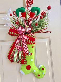 Mesh Christmas Tree, Elf Christmas Decorations, Christmas Elf, Christmas Stockings, Christmas Ornaments, Xmas Tree, Holiday Decor, Christmas Ideas, Christmas Crafts Sewing