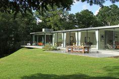 Modern Homes: Farnham's Mid-Century Masterpiece | The Art of Bespoke