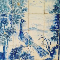 The Observing Peacock. Discovering an amazing 18th century glazed tiles collection in one of Lisbon's hidden gems. ♡♡♡ #azulejos #glazedtiles #portuguesetiles #18thcentury #hiddengems #collection #heritage #lisbon #walkingtours #lisbontailoredtours #lisbonwithpats