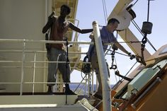 Tom Hanks and Faysal Ahmed in Captain Phillips The Bourne Ultimatum, 12 Years A Slave, Who Will Win, Tom Hanks, Navy Seals, Latest Movies, Johnny Depp, The Rock, True Stories