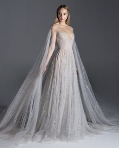 Flâner — lacetulle: Paolo Sebastian Dream Wedding Dresses, Bridal Dresses, Wedding Gowns, Prom Dresses, Formal Dresses, Wedding Dress Cape, Fantasy Gowns, Tulle Gown, Beautiful Gowns