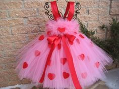 PINK RED HEARTS, Valentine's Day tutu dress, birthday tutu dress, flower girl gown, photo shoots, white tutu dress, girl's tutu dress.  Stunning medium tutu dress is for babies and toddlers. The bodic