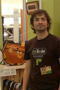 José Javier González Guzmán, artesano del reciclaje de materiales. Tenerife, Artisan, Upcycling, Teneriffe