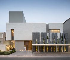 Completed in 2016 in Surra, Kuwait. Images by Nelson Garrido. Tetris House sits on a 500 square meter lot with a 25 meters street front. The form is composed of three main painted masses carefully veiled by two. Minimalist Architecture, Modern Architecture House, Facade Architecture, Residential Architecture, Design Exterior, Facade Design, Modern Exterior, Villa Design, Modern House Philippines