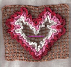 Wiggly Crochet Patterns, Crochet Ideas, Crochet Pillow, Crochet Rugs, Denim Crafts, Crochet Necklace, Pillow Covers, Quilts, Deco