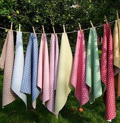 Great idea for displaying fabrics, etc...