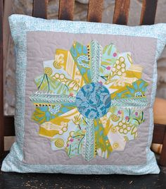 How to Make a Quilted Pillow Sham From Leftover Blocks & Free Pillowcase and Pillow Patterns ~ Pieced Pinwheels Pillow Sham ... pillowsntoast.com