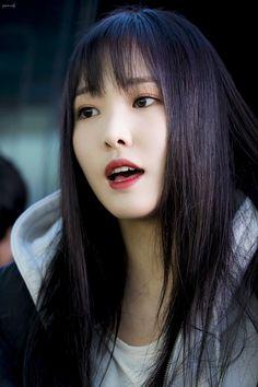 Yuju is incredibly beautiful! South Korean Girls, Korean Girl Groups, Gfriend Yuju, G Friend, Kpop, Twitter, Music, Beauty, Beautiful
