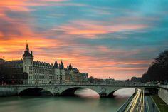 Paris-Siene at sunset