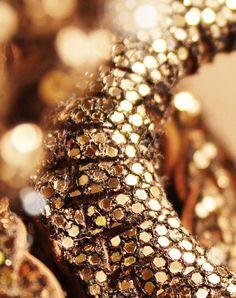 #sparkle #gold #glitter