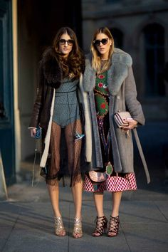 Here are 49 street style looks you& want to copy stat from outside the shows at Paris Haute Couture Fashion Week Spring Look Street Style, Street Style Trends, Spring Street Style, Street Chic, Street Wear, Fashion Mode, Look Fashion, Couture Fashion, Fashion Outfits