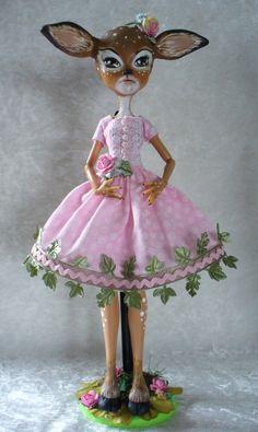 What an awesome custom Monster High doll!  Elain Dama - Custom Monster High by redmermaidwerewolf, via Flickr