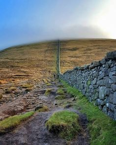 22 Walks That Every Irish Person Needs To Try Before They Die - Lovin. Walking Routes, Bucket List Destinations, Lush Green, House Prices, Northern Ireland, Walks, Irish, Places To Go, Rain