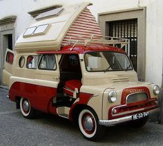The Bedford Dormobile is a campervan (motorcaravan, motorhome) conversion, based on the Bedford CA van, and subsequently on the Bedford CF. Bedford Dormobile I want one! Classic Campers, Retro Campers, Cool Campers, Vintage Campers, Happy Campers, Camper Caravan, Camper Trailers, Camper Van, Retro Trailers