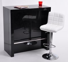 Aussi bien, console extensible et table de bar haute, ce modèle peut trouver sa…