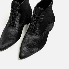 Image 4 of FLAT LEATHER ANKLE BOOTS from Zara