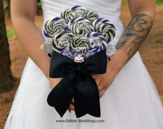Omg I absoulutely love this idea..Lollipop Candy Bridal Bouquet (Purple/Black with sugar skulls)   I LOVE THIS!!!!!!!!!!!!!!!!