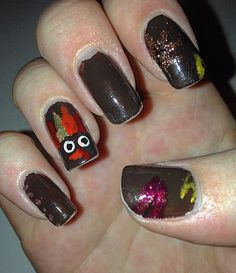 Thanksgiving 2015. Adorable turkey on ring finger with red, orange, and gold feathers, copper dots on the pinky, and sparkly red, yellow, and copper leaves on the thumb and index (sorry for the chips, I didn't have a chance to take a picture earlier).