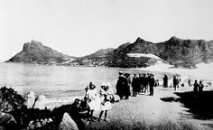 Hout Bay Beach in the from Chapmans Peak Drive Old Pictures, Old Photos, Vintage Photos, Cape Town South Africa, Most Beautiful Cities, Historical Pictures, African History, Live, Wonders Of The World